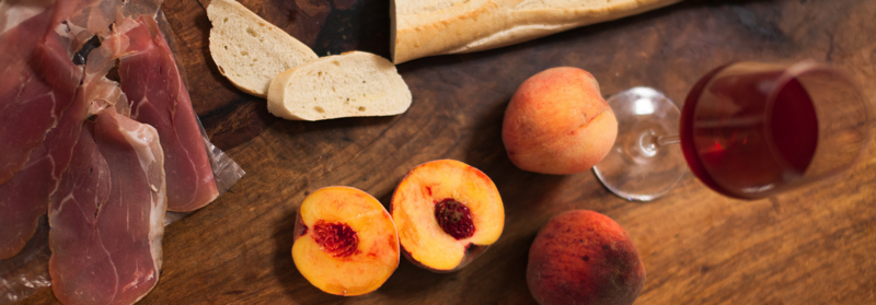 peach+prosciutto+crostini_recipe-1